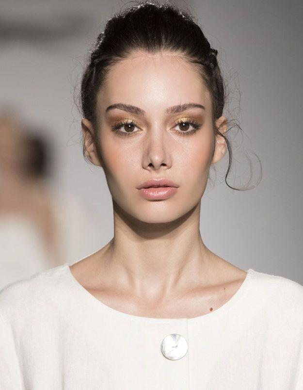 Maquillage pailleté discret