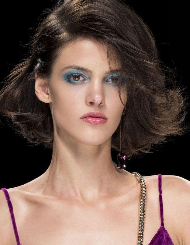 Maquillage pailleté turquoise