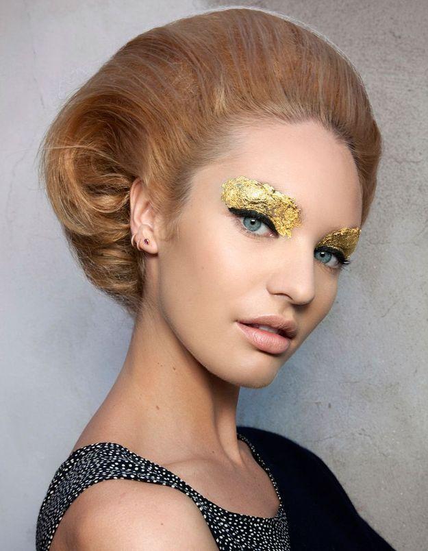 Maquillage artistique or
