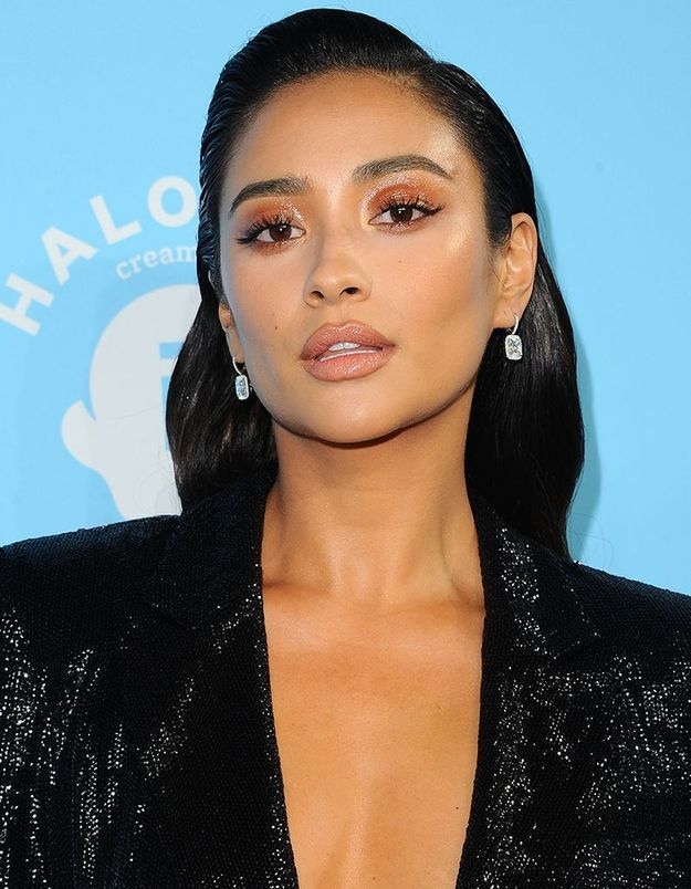 Le maquillage abricot de Shay Mitchell