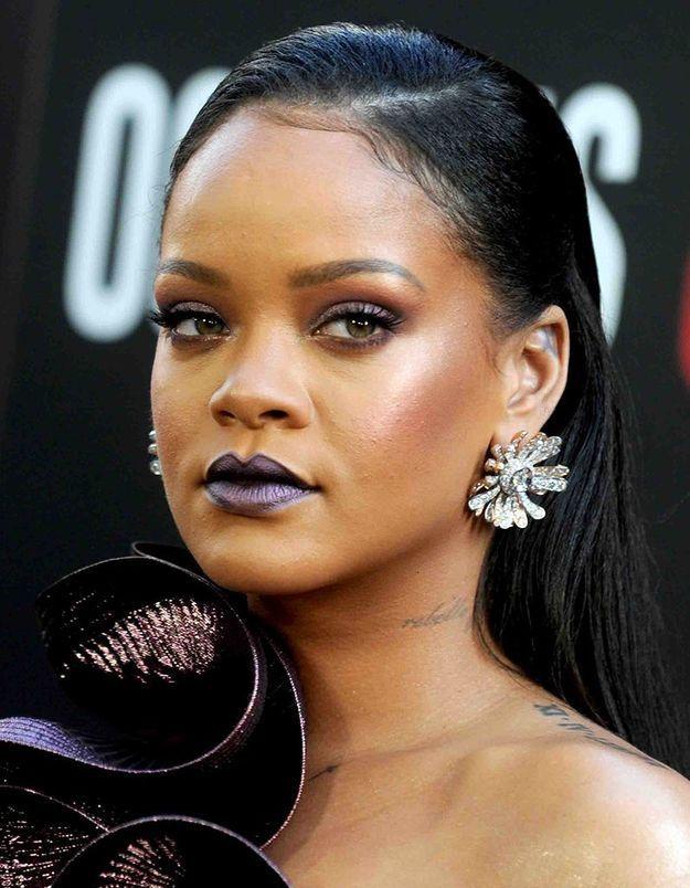 Le maquillage bleuté de Rihanna