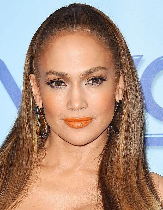 Le maquillage orange de Jennifer Lopez
