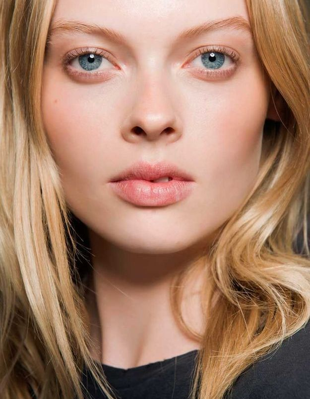 Maquillage sexy : le teint de pêche