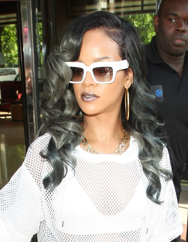 Coiffure Rihanna Voit La Vie En Gris Elle