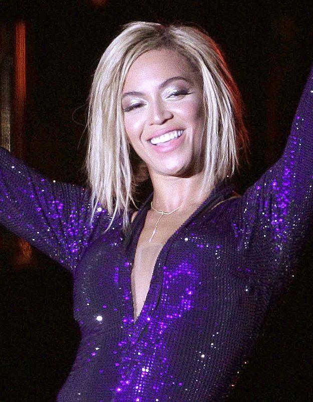 Face aux critiques, Beyoncé laisse tomber sa coupe courte