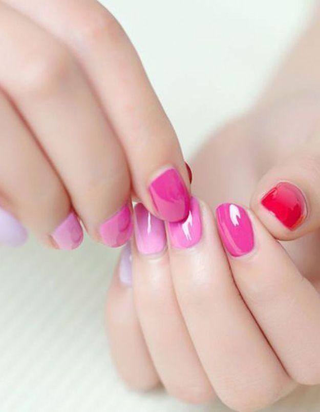 Manucure printemps rose