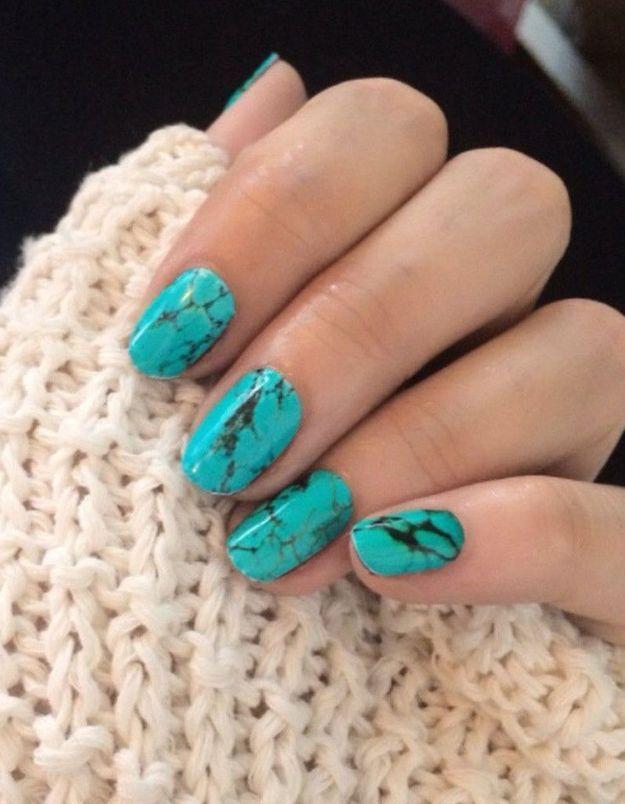 Manucure printemps turquoise