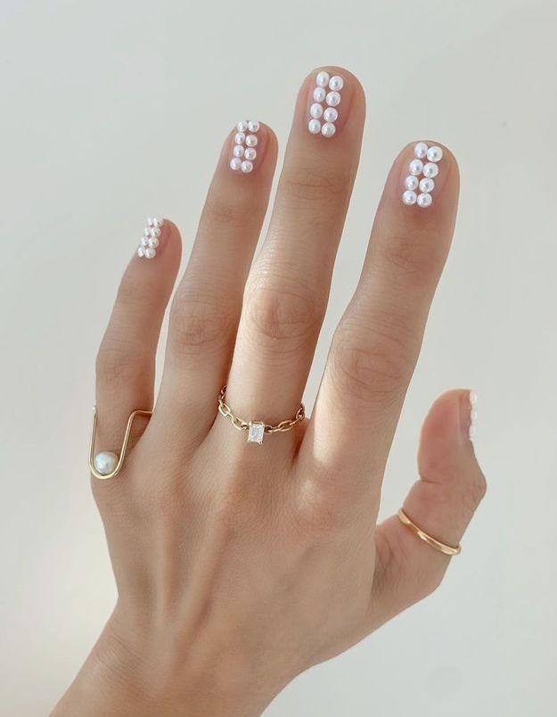 Le pearl nail art : la manucure tendance qu'il faut absolument avoir !