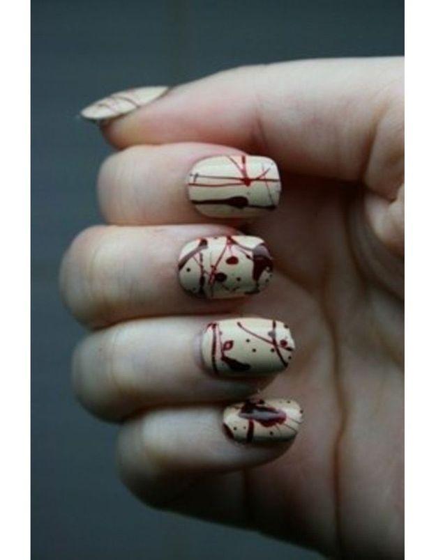 La manucure marbrure de sang