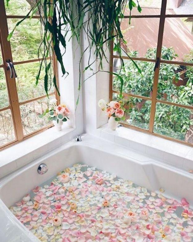 Bain de lavande ou camomille pour se relaxer