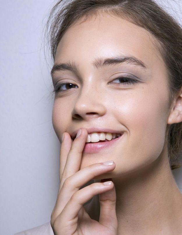 Taches cutanées : la bonne stratégie cosméto pour s'en débarrasser