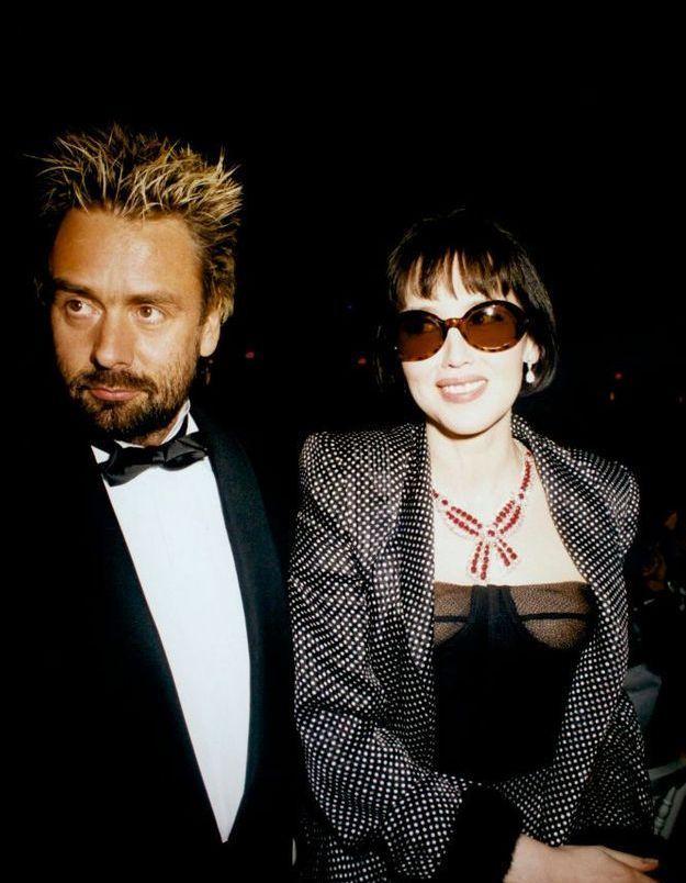 """Isabelle Adjani et Luc Besson lors de la soirée donnée pour """"Le Cinquième élément"""" en 1997"""