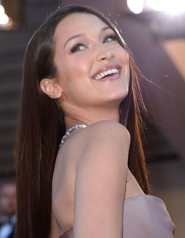 Cannes 2018 : Bella Hadid, reine de beauté sur le tapis rouge