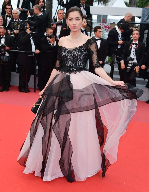 La robe rose et noire de  Blanca Blanco