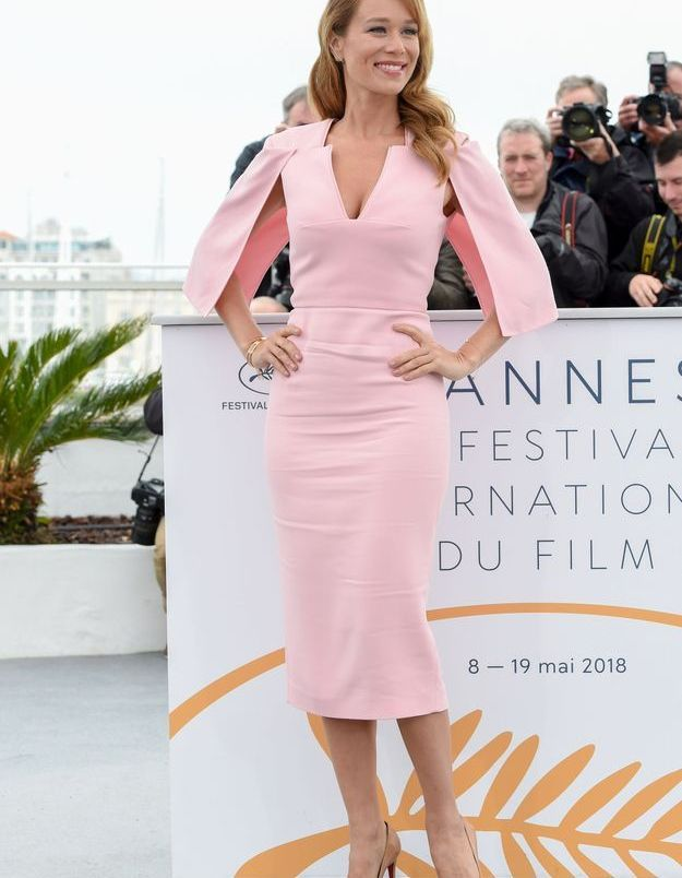 La robe rose façon tailleur de Mariana Ximenes
