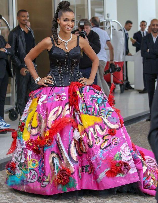 La robe rose moderne de Juliana Alves
