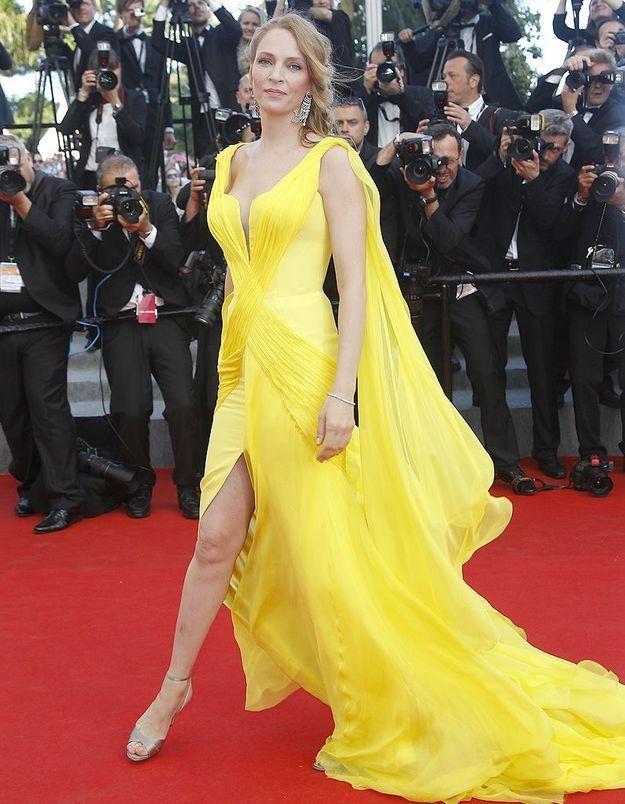 Le look du jour de Cannes : Uma Thurman en Atelier Versace