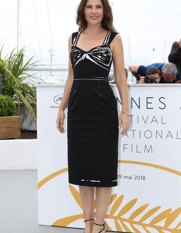 Virginie Ledoyen sublime dans sa robe noire