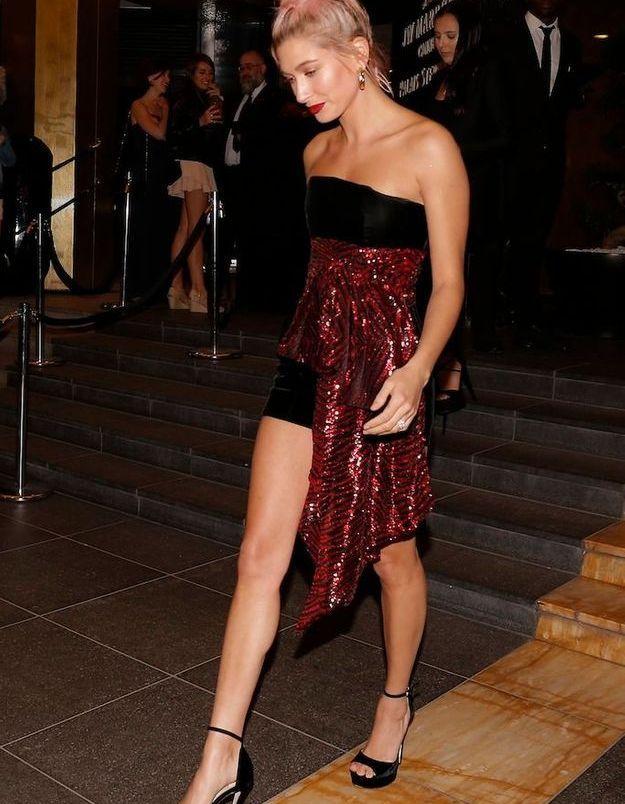 Le mannequin Hailey Baldwin prête pour faire la fête !