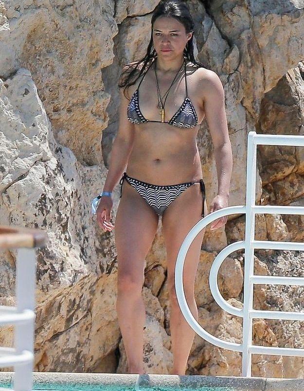 Une petite baignade pour Michelle Rodriguez