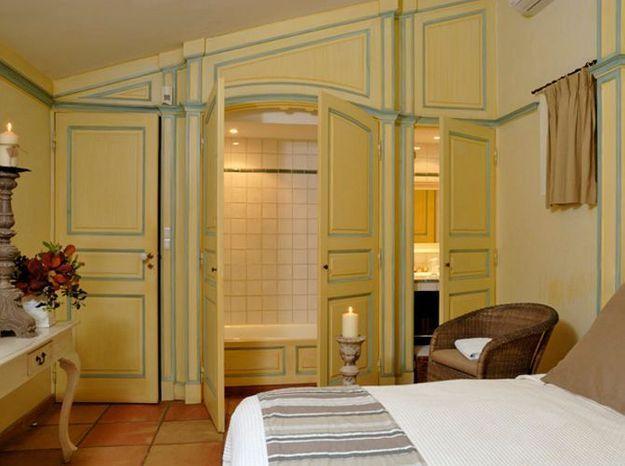 Petite salle de bains dans un placard de 2 m²