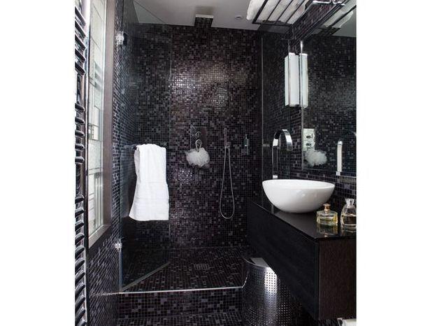 Petite salle de bains de 4 m², esprit Art déco