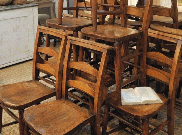 Les chaises d'église