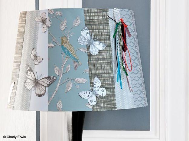 Un papier peint pour customiser son abat-jour