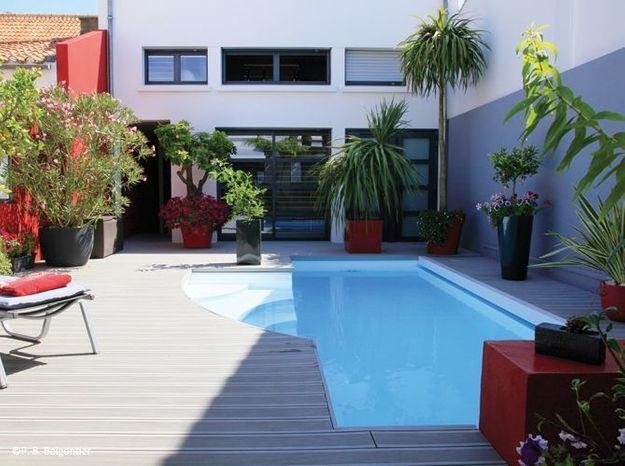 8. Petite piscine dans un patio