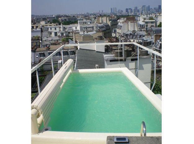 Une piscine qui domine Paris
