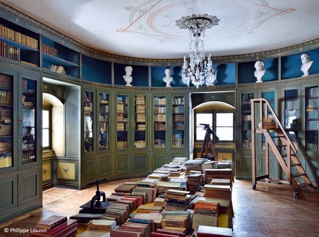 Bibliotheque chateau de sya