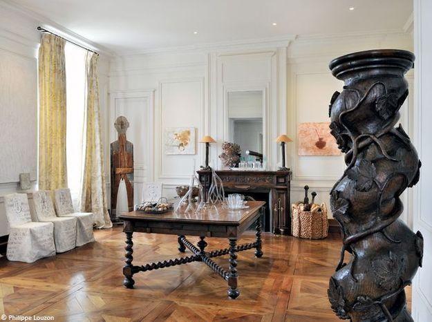 Chateaugrandsalonchemineesculptures