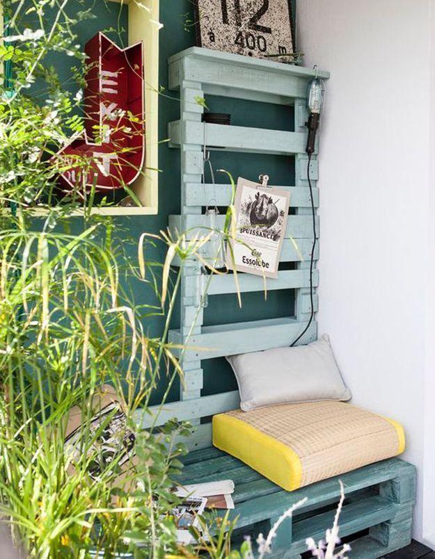 Recycler d'anciennes palettes pour un petit balcon esprit récup