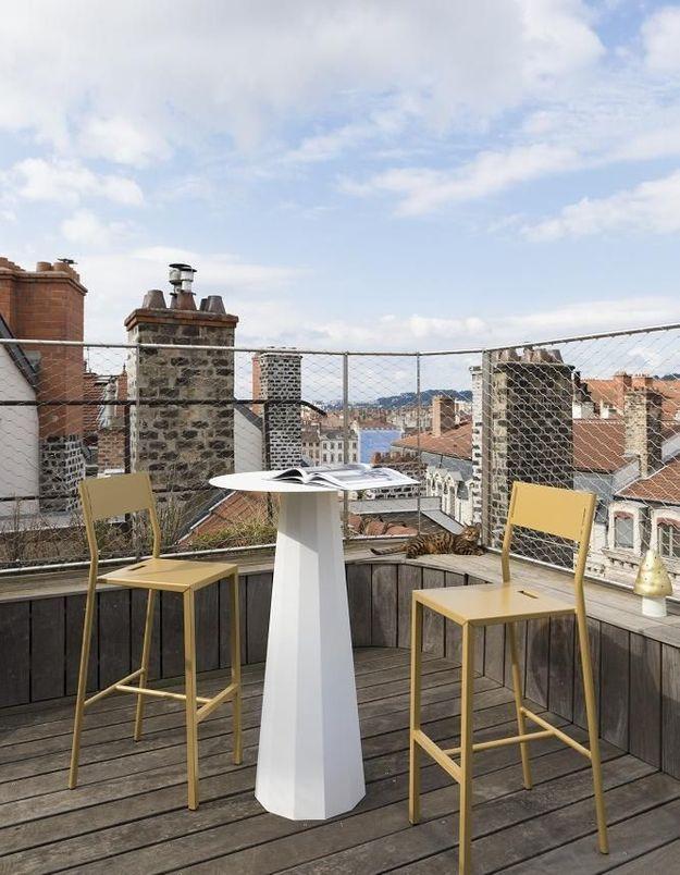 Une table de balcon Matière Grise