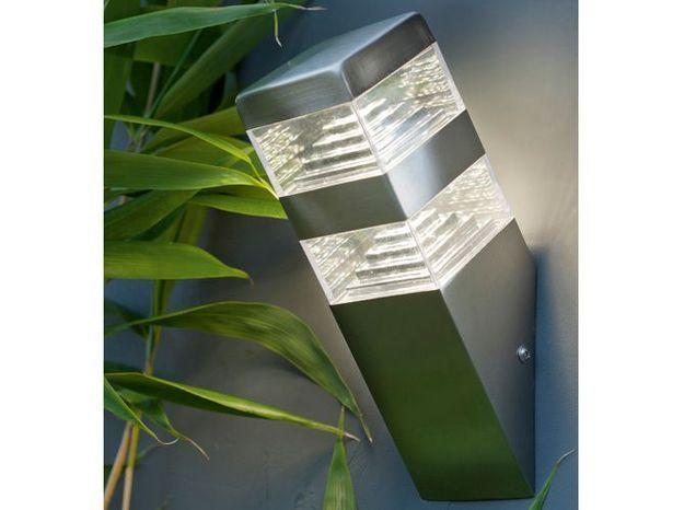Une applique minimaliste pour éclairer ma terrasse