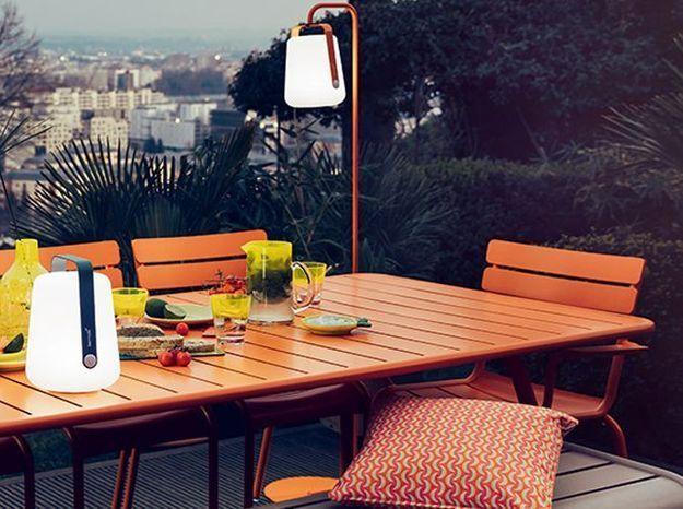 Une lampe nomade pour éclairer ma terrasse