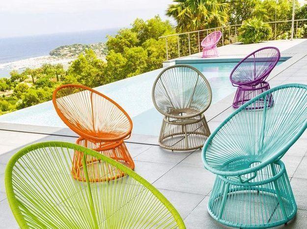 Des fauteuils colorés