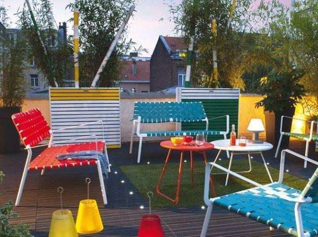 Salon de jardin moderne et coloré