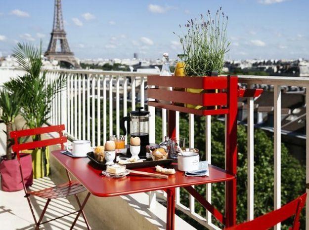Table et jardinière 2 en 1 rouge