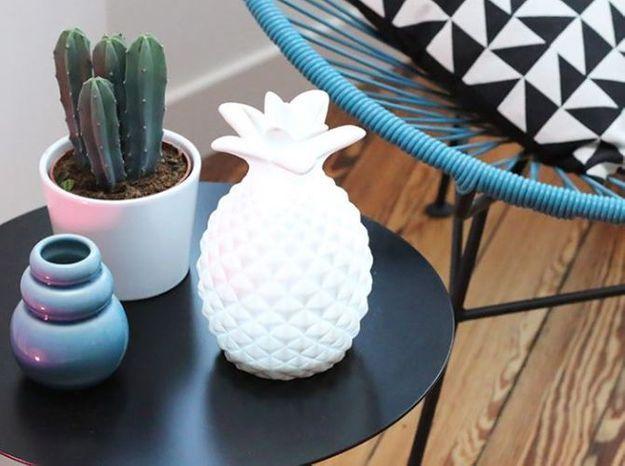 Un cactus sur la table basse