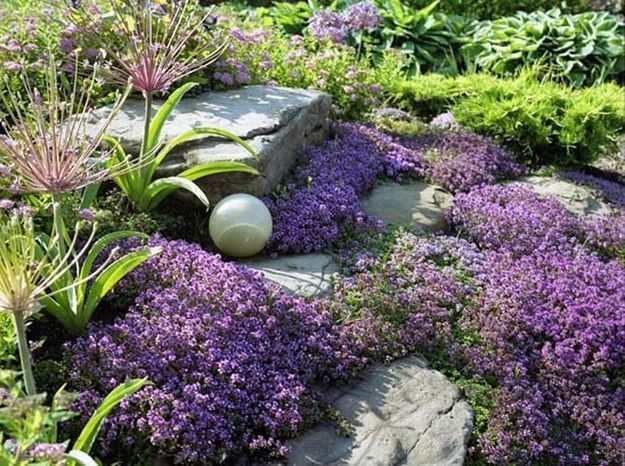 Comment créer un massif fleuri zen ? - Elle Décoration