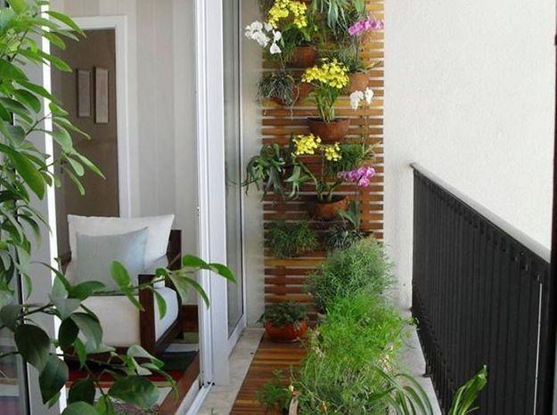 Jardin avec caillebottis pour un mini balcon