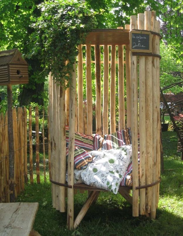 Coin sieste dans le jardin façon cabane