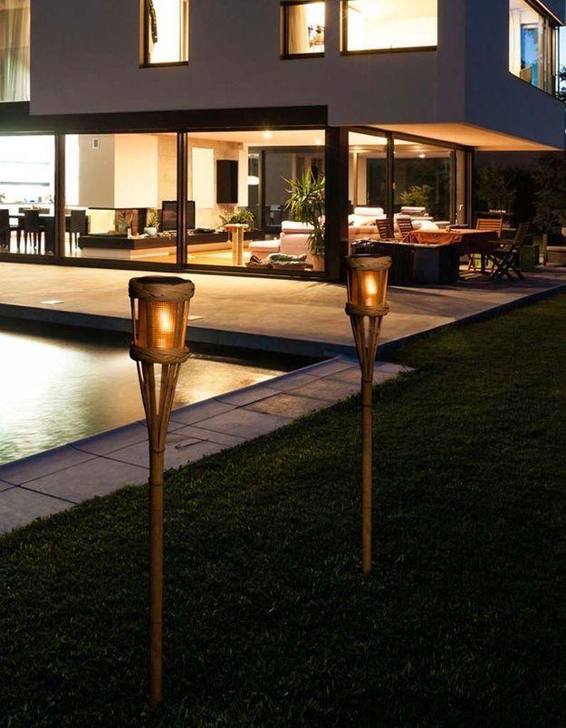 Une lampe de jardin Nortene