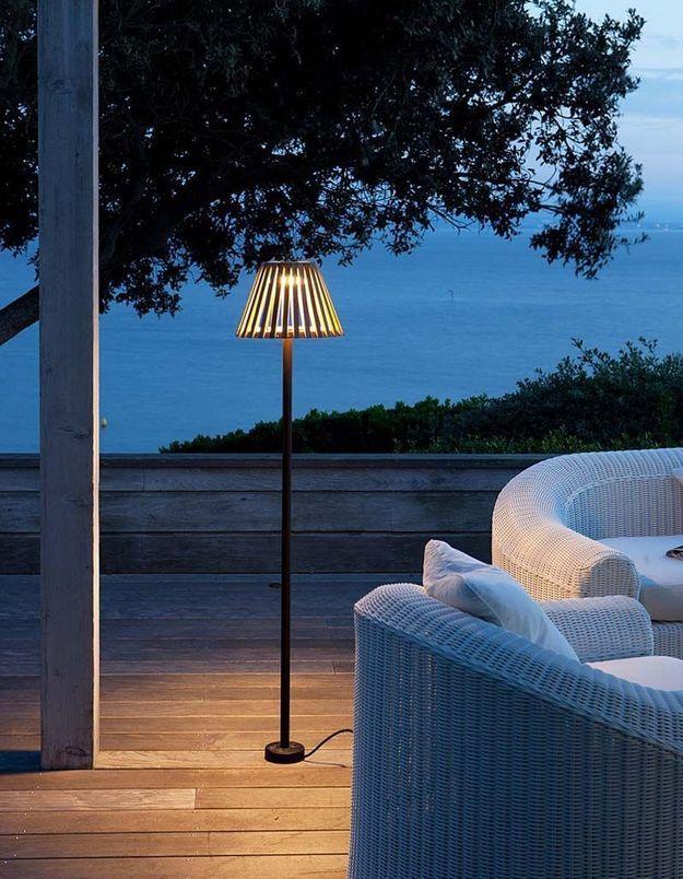 Une lampe de jardin Unopiù