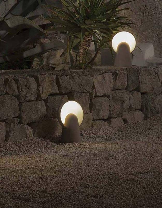 Une lampe de jardin Zement Karman