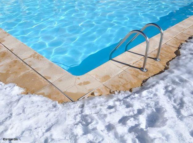 Hivernage piscine elle d coration for Hivernage piscine