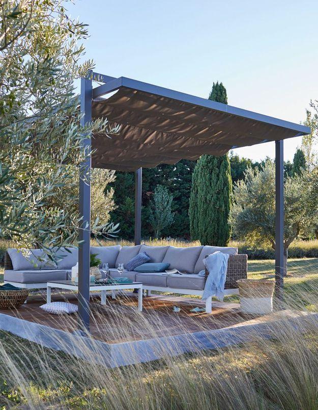 Une terrasse zen couverte