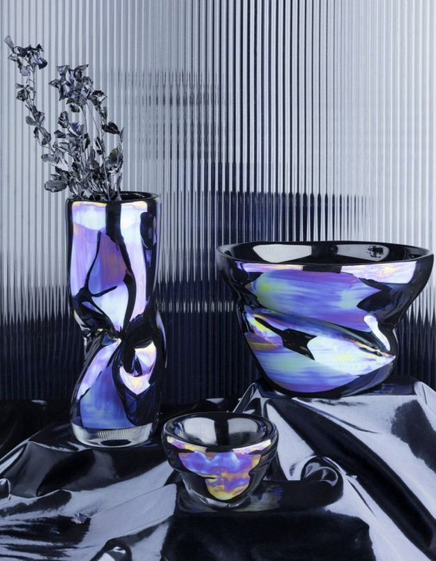 Vase iridescent