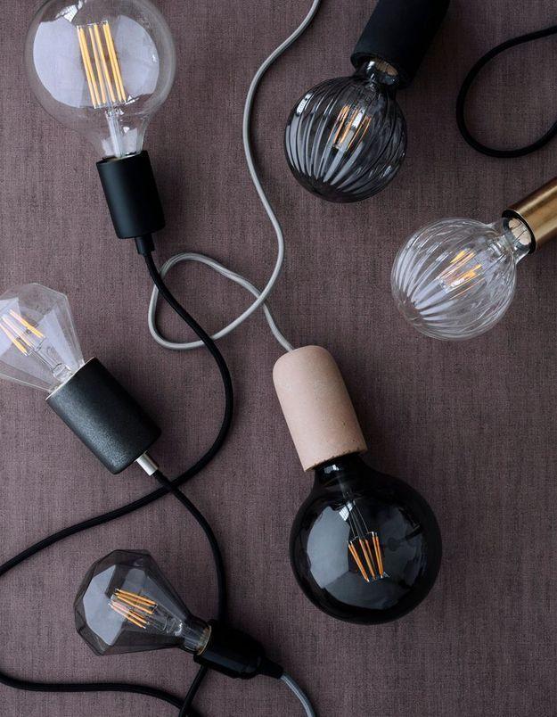 Remplacer l'ampoule grillée du couloir